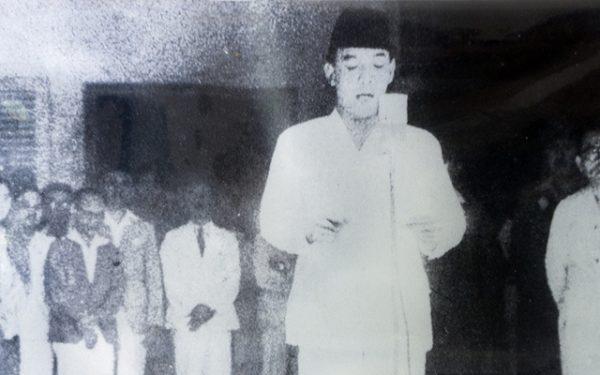 JAS MERAH : ADA APA DENGAN KETURUNAN ARAB INDONESIA?