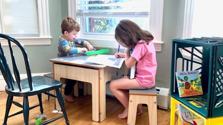 Menemani Anak Belajar di Rumah Selama Darurat Wabah