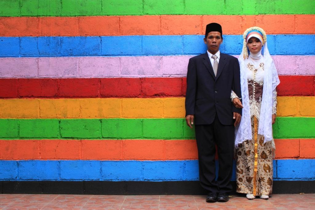 Suami Istri Harus Lekat Seperti Pakaian